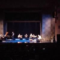 Multiinstrumentisti nga Siberia mahnit publikun e kryeqytetit (AL)