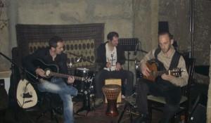 """""""Ethno and Flamenco"""" pushton adhuruesit e muzikës"""